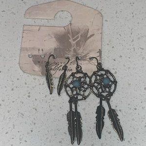 Multi style earrings (2 pairs)